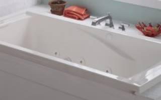 Интерьер маленькой ванной без раковины