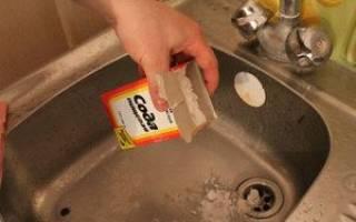 Чистка раковины содой и уксусом