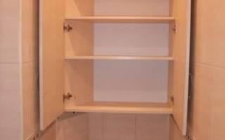 Шкаф за унитазом в туалете своими руками