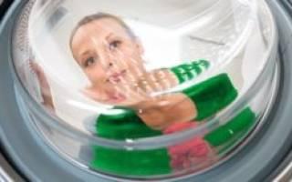 Вода из раковины попадает в стиральную машину