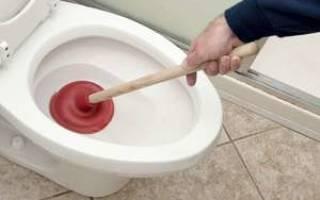Что должен делать сантехник если есть запах в туалете от унитаза